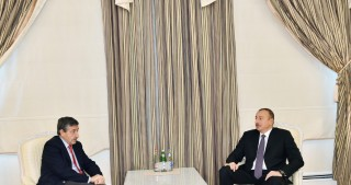 President Ilham Aliyev received International Canoe Federation President