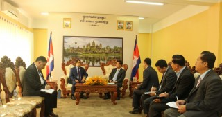 Azerbaijan`s Ambassador meets Cambodian Minister of Mines and Energy