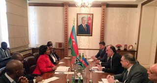 Azerbaijan, South Africa discuss cooperation prospects