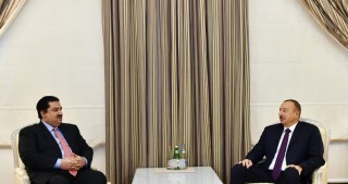 President Ilham Aliyev received Pakistani Commerce Minister
