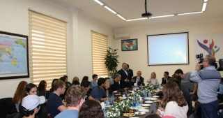 Jewish students studying in US visit Baku International Multiculturalism Centre