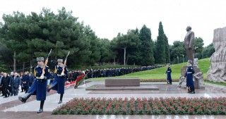 Azerbaijani people commemorate the Great Leader