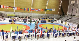 Azerbaijani sambo wrestlers win 2 medals at World Championship among students