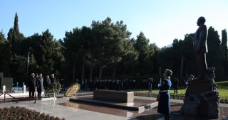TurkPA member countries' parliament speakers pay respect to national leader Heydar Aliyev and Azerbaijani martyrs