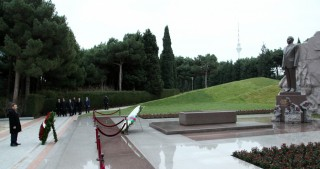 Iranian delegation pays respect to national leader Heydar Aliyev and Azerbaijani martyrs