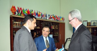 Australian international consultant visits Azerbaijan National Library