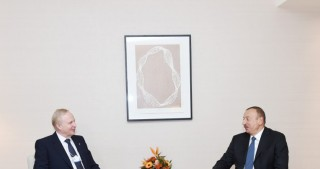 President Ilham Aliyev met with BP Chief Executive Officer