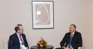 President Ilham Aliyev met with Chief Executive Officer of LafargeHolcim
