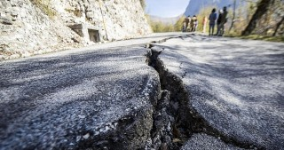 Three strong earthquakes shake central Italy