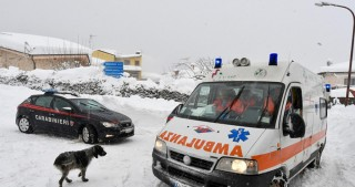 'Many dead' in avalanche at Italian hotel