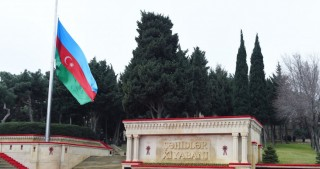 President Ilham Aliyev paid tribute to 20 January martyrs