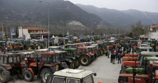 Greece-wide protests: Farmers on tractors to block highways and national roads