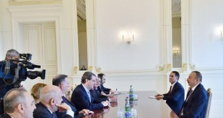 President Ilham Aliyev received delegation led by President of American Jewish Committee
