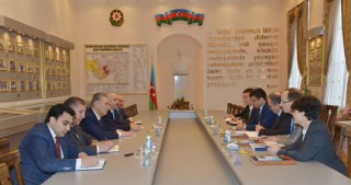 Azerbaijan, UNHCR discuss refugee problems