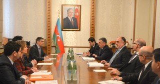 Azerbaijan, France discuss ways of developing cooperation