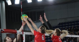 Azerrail Baku down French champions in three sets