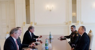 President Ilham Aliyev received delegation led by Chairman of Joint Chiefs of Staff of US