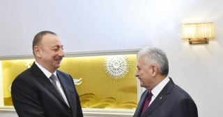 President Ilham Aliyev met with Turkish Prime Minister Binali Yildirim in Munich