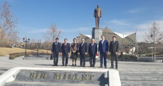 Azerbaijani delegation visits monument to national leader Heydar Aliyev and Anitkabir in Ankara
