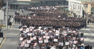 More than 40,000 march through Baku to pay tribute to Khojaly victims