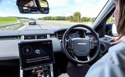 UK demos self-driving cars talking among themselves