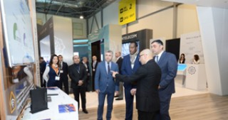 UPU Director General views BakuTel-2016 exhibition