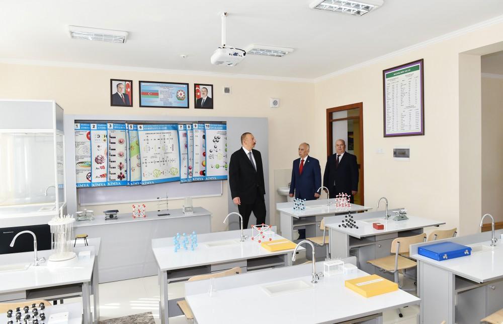 Prezident orta məktəbin yeni korpusunun açılışında - FOTOLAR