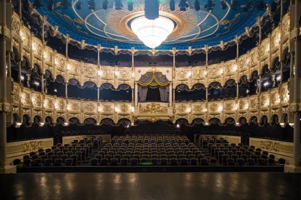 Teatrsevərlərin nəzərinə: Musiqili Teatrın aprel repertuarı