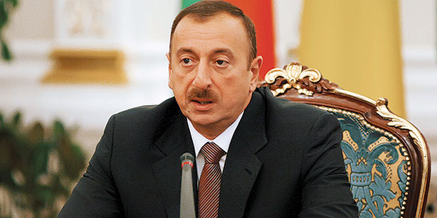 Azərbaycan Prezidenti Corc Buşa başsağlığı verib