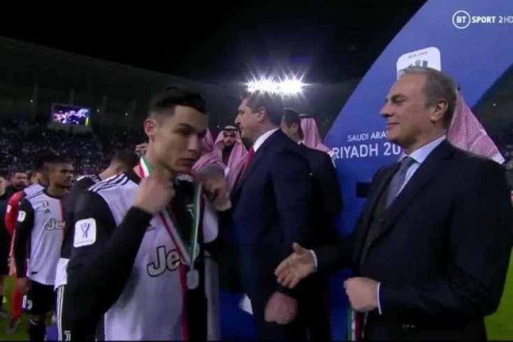 Ronaldo yenə gündəmdə -