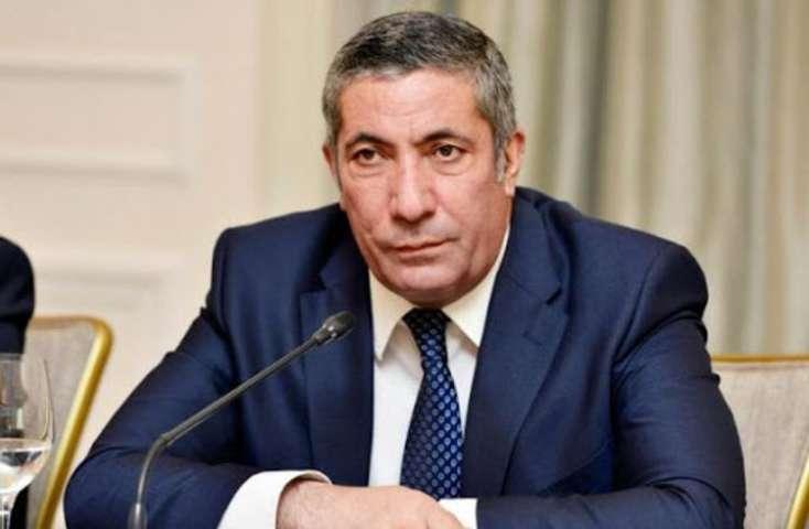 Siyavuş Novruzovun istefası qəbul edildi