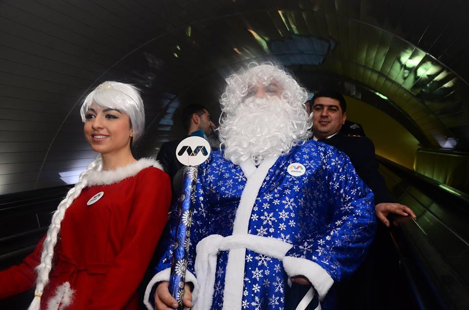 Bakı metrosu sərnişinlərə Yeni il sürprizi hazırlayır - FOTO
