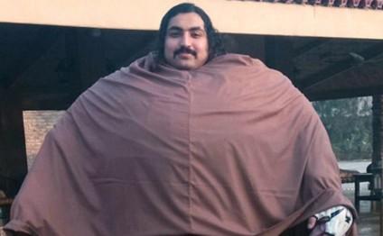 431 kiloluq Həyat: hər səhər 36 yumurta və 7 kilo ət yeyir