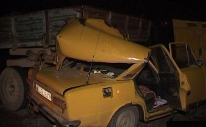 """""""Jiquli"""" traktorla toqquşdu - 4 yaralı"""