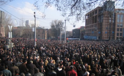Another march against constitutional amendments takes place in Armenia