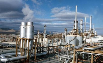 Iranian cement factories worried after gas supply halted due to cold