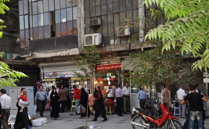 Iranian hotels cut prices by 70%
