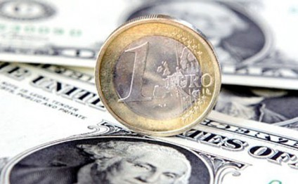 US dollar rises in Azerbaijan