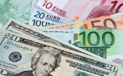 US dollar rises, euro drops in Azerbaijan