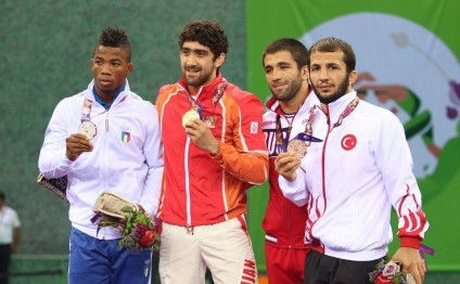 Azerbaijani athletes win over 820 medals in 2015
