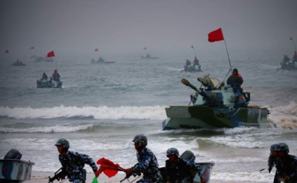 Chinese marines leave for military training in Xinjiang