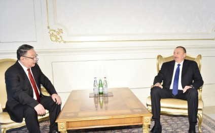 Azerbaijani president receives credentials of newly appointed Mongolian ambassador